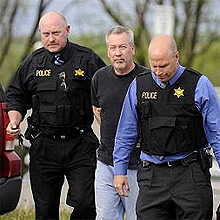 Drew Peterson taken into custody.