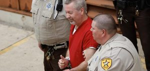 Drew Peterson arrives to court