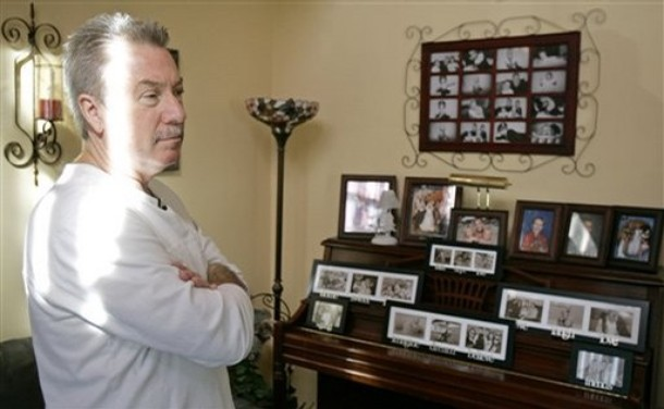 Drew Peterson at home