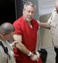 Drew Peterson arrives for court